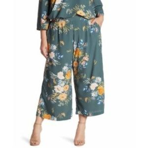 Melloday Cropped Pant in Floral Print Size XL